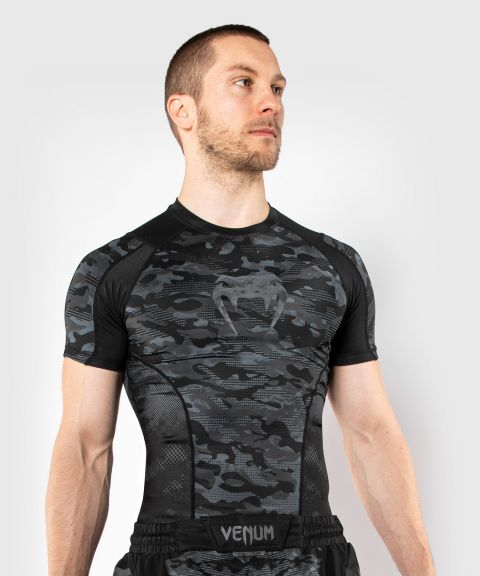 Venum Defender Short Sleeve Rashguard - Dark camo