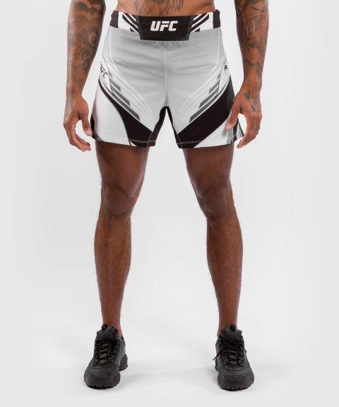 UFC 베넘 어쎈틱 파이트 나이트 남성 쇼츠 - 숏 핏 - 하얀
