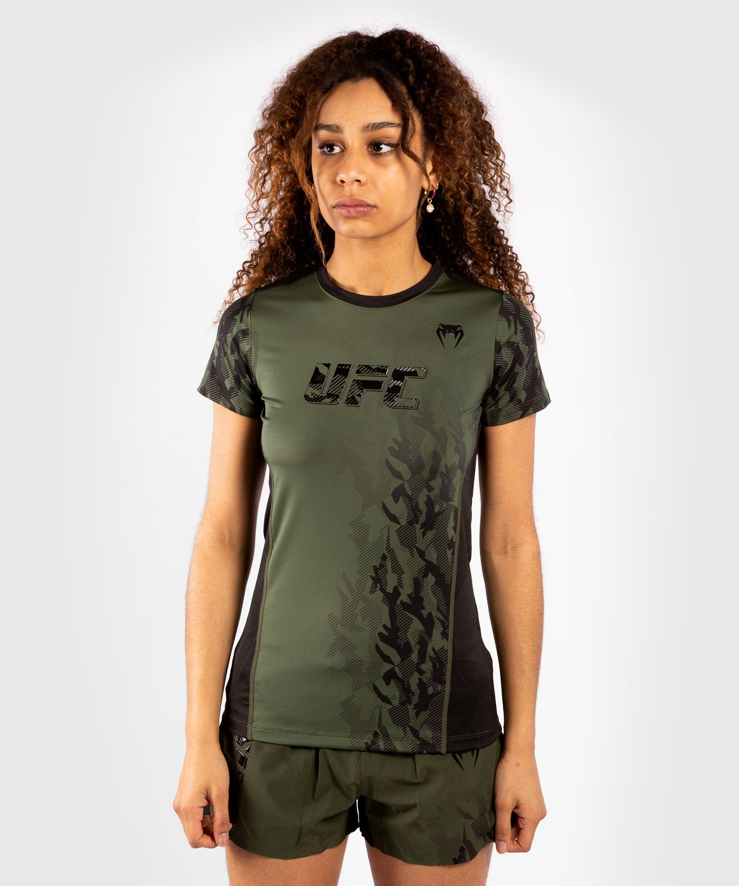 ЖЕНСКАЯ ФУТБОЛКА UFC VENUM FIGHT WEEK  PERFORMANCE - Хаки