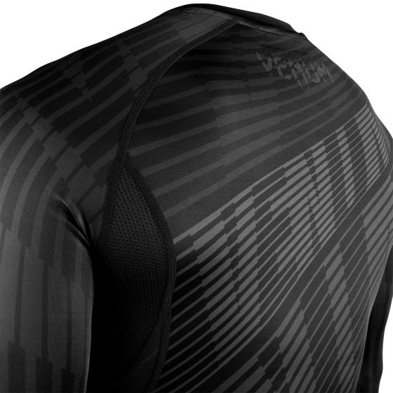 Venum Plasma Rashguard - Short Sleeves - Black/Black