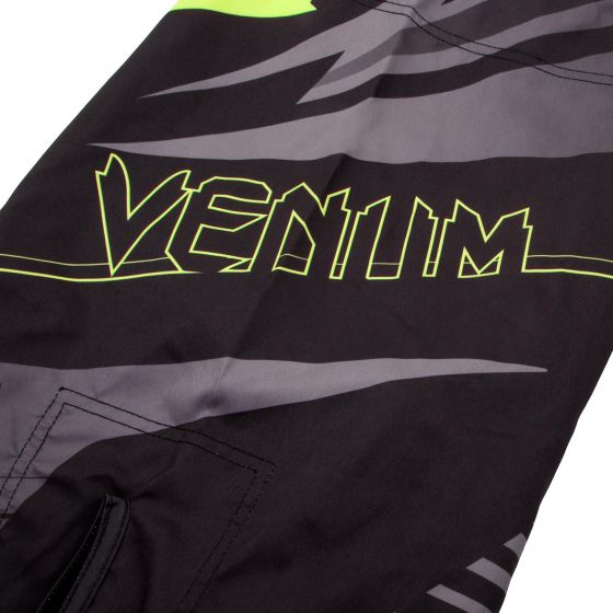 Venum Sharp 3.0 Fightshorts - Black/Neo Yellow