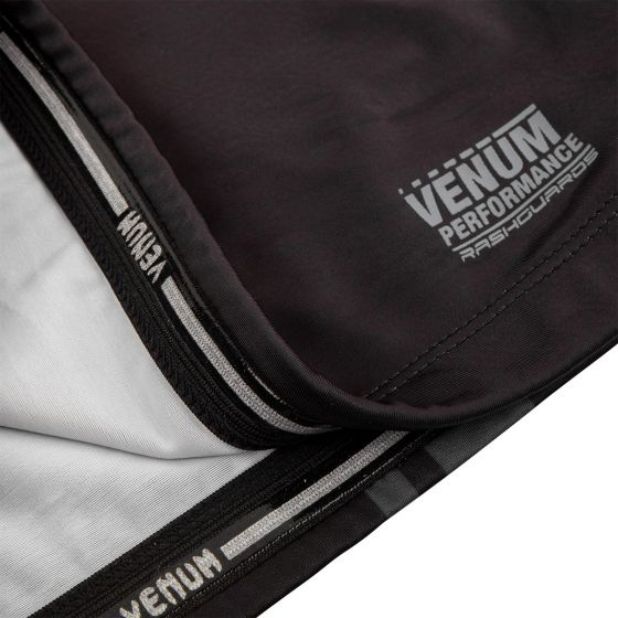 Venum Logos Rashguard - Short Sleeves - Black/Black