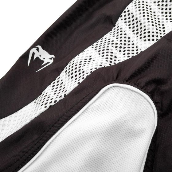 Шорты Venum Elite - Черный/Белый