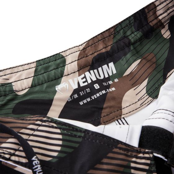 Venum Camo Hero Fightshorts - Green/Brown
