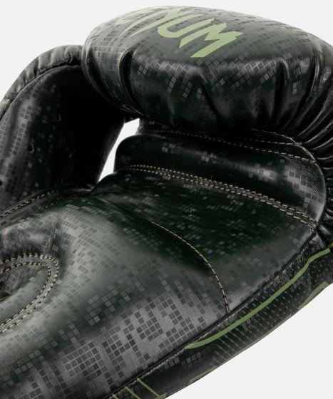 Боксерские перчатки  Venum Commando Loma Edition