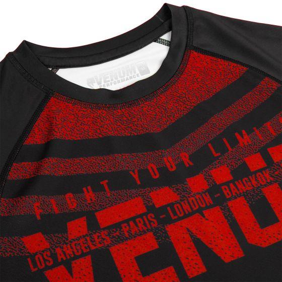 Venum Signature Rashguard - Long Sleeves - Black/Red