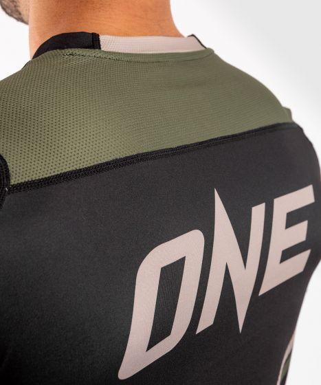 베넘 ONE FC 임팩트 드라이 테크 티셔츠 - 블랙 / 카키